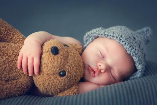 fotolia 102327719 - Mehr Nachtruhe für Baby - und Eltern!